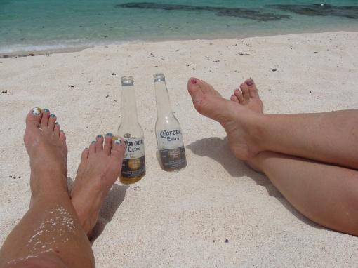 beach, feet